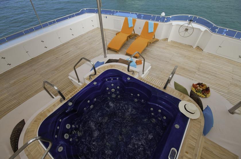 Catamaran Cormorant, Galapagos, Equateur, jacuzzi
