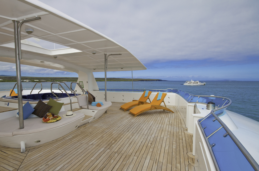 Catamaran Cormorant, Galapagos, Equateur, solarium