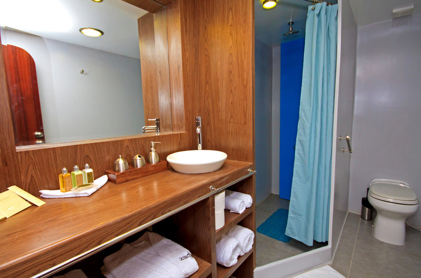 Ocean spray bathroom slideshow