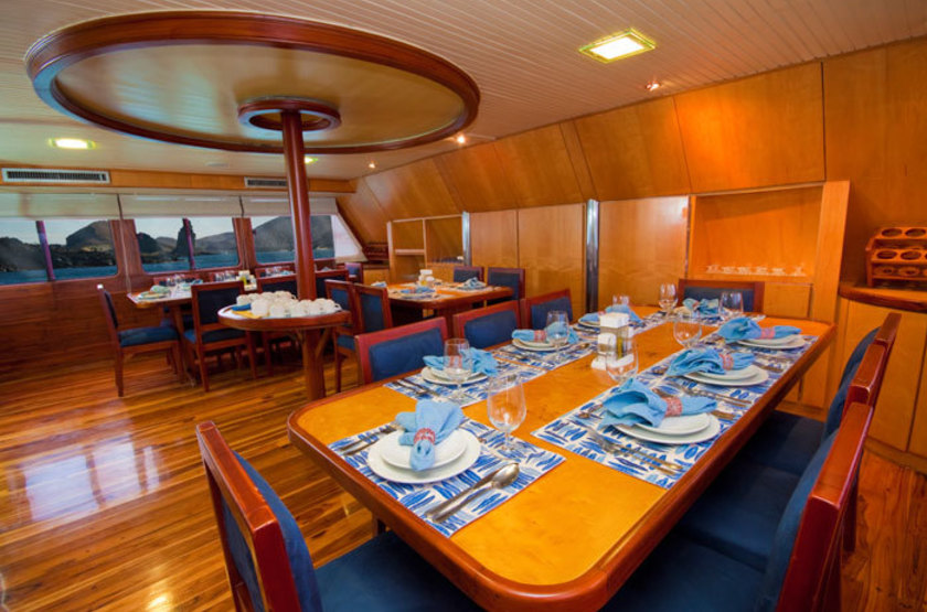 Yacht Galaven, Galapagos, Equateur, restaurant