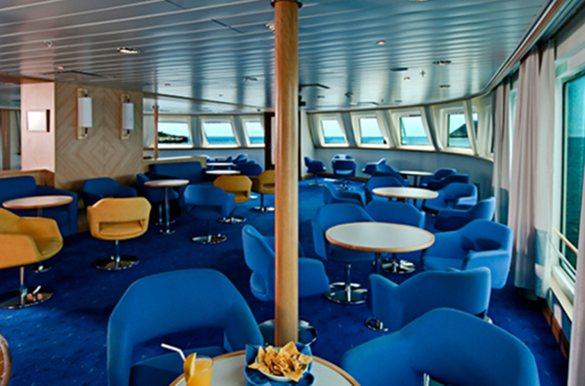 La pinta luxury yacht lounge slideshow