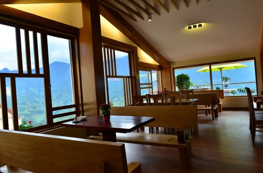 Sunny Mountain Hotel, Sapa, Vietnam, salon