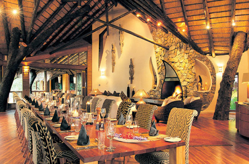 Ulusaba dining safarilodge large slideshow