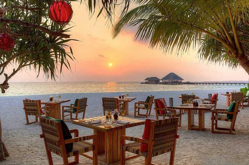 Kanuhura Hotel, Maldives, restaurant - plage