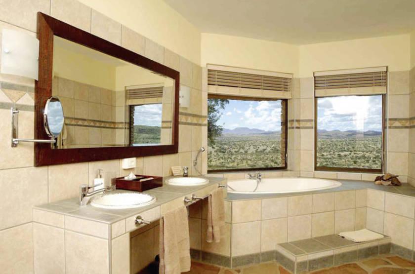 Goche Ganas Nature Réserve et le Wellness Village , Namibie, salle de bains