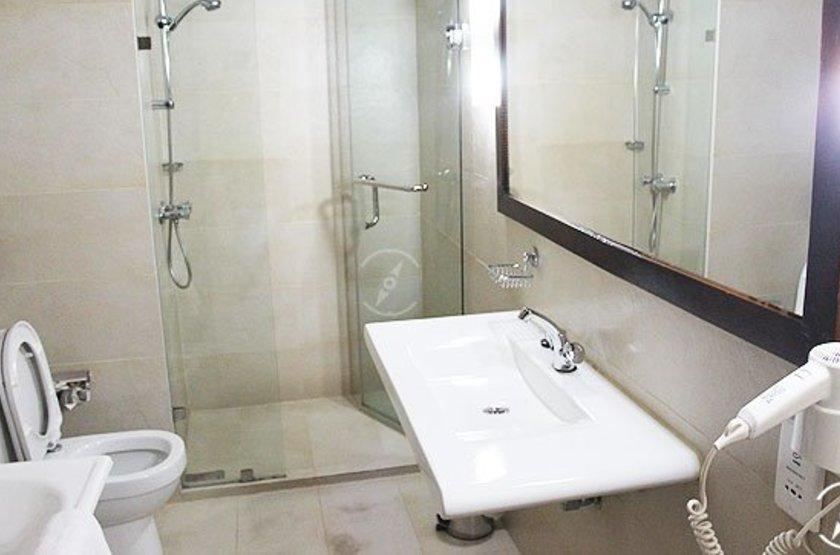 Suisse Hotel, Kandy, salle de bains