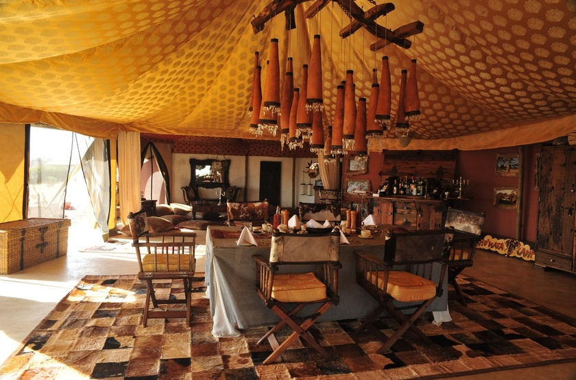 Shu'Mata, South Amboseli, Tanzanie, salon bar