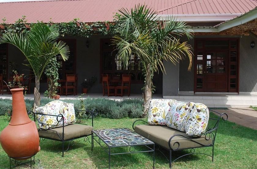 Planet Lodge, Arusha, Tanzanie, jardin