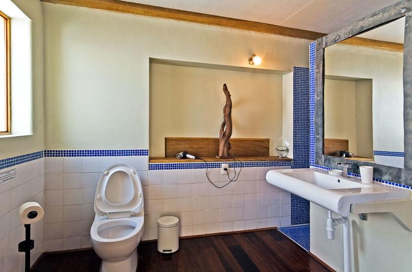 La Petite Porte, Uyuni, Bolivie, salle de bains