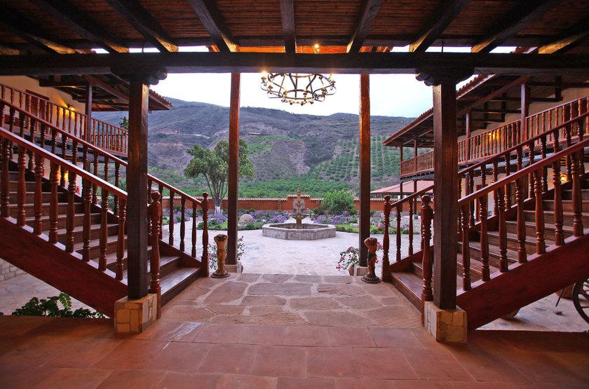Casa andina chachapoyas   vue de l hotel slideshow