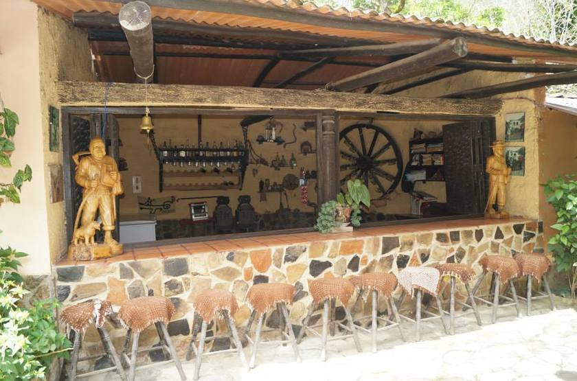 Estancia chillo   chachapoyas   bar slideshow