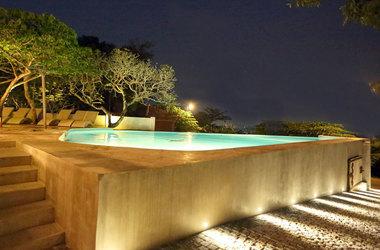 Pool night view listing