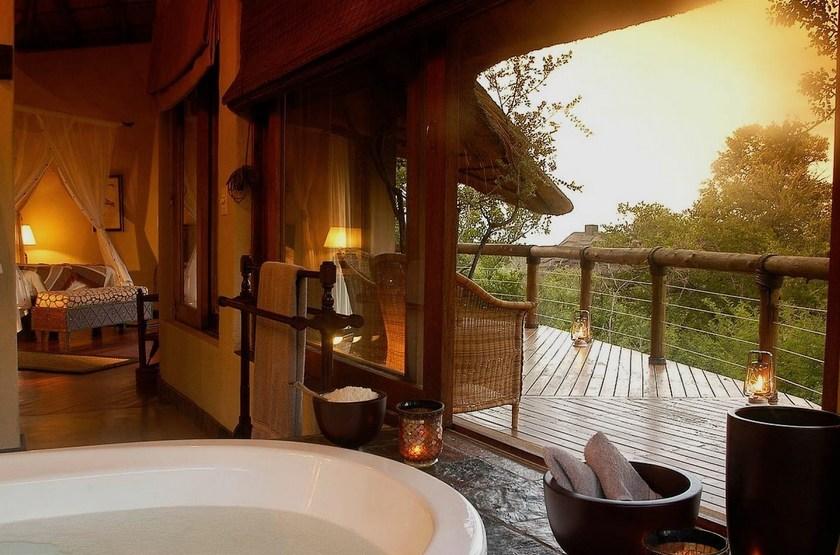 Tuningi Safari Lodge, Madikwe, Afrique du Sud, vue sur le bush