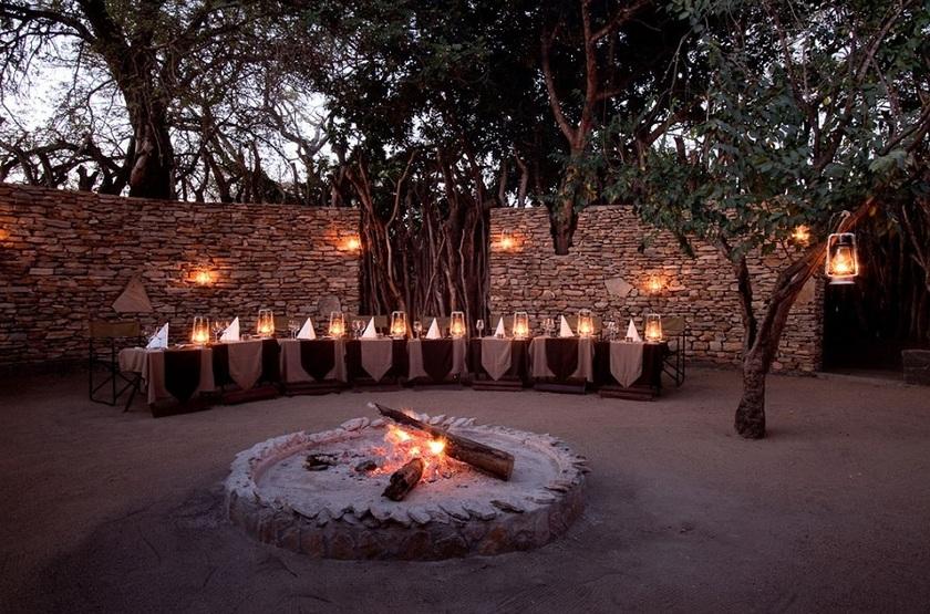 Chitwa Chitwa Safari Lodge, Sabi Sand, Afrique du Sud, boma