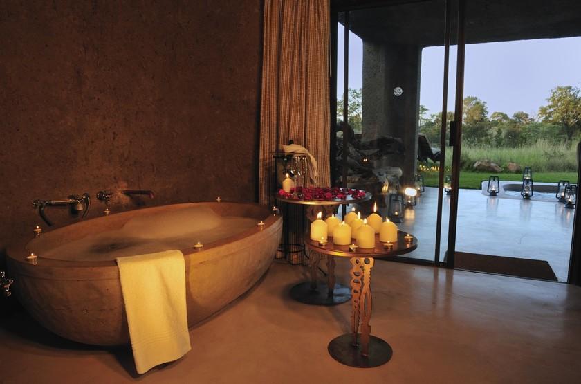 Sabi Sabi Earth Lodge, Sabi Sand Reserve, Afrique du Sud, salle de bains
