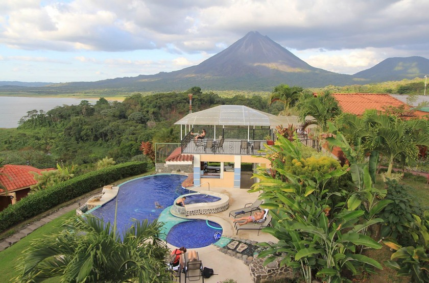 Arenal hotel slideshow