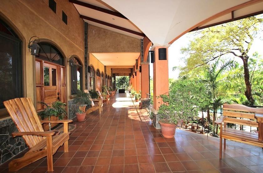Pacifico Surf Studios, Santa Teresa, Costa Rica, terrasse
