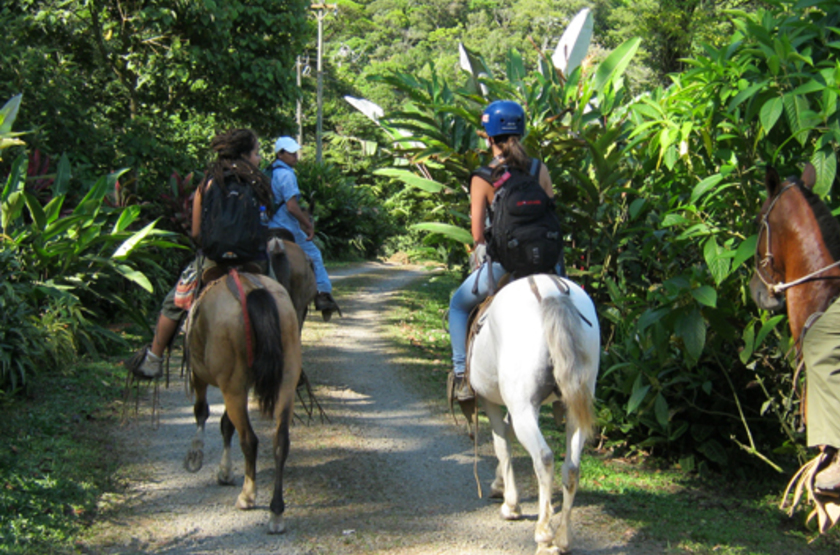 Celeste Mountain Lodge, Volcan Tenorio, Costa Rica, balade à cheval