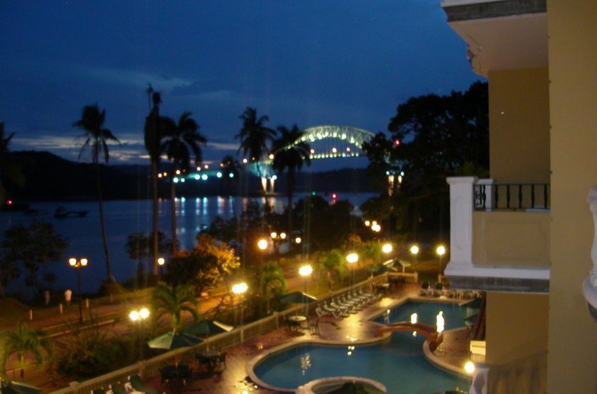 Country Inn & Suites by Carlson, Canal du Panama, by night