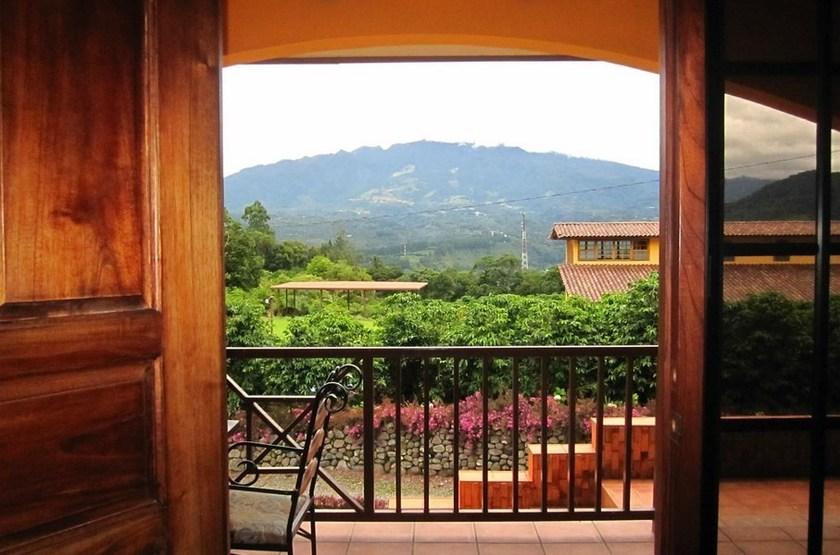 Los establos boquete panama balcon slideshow