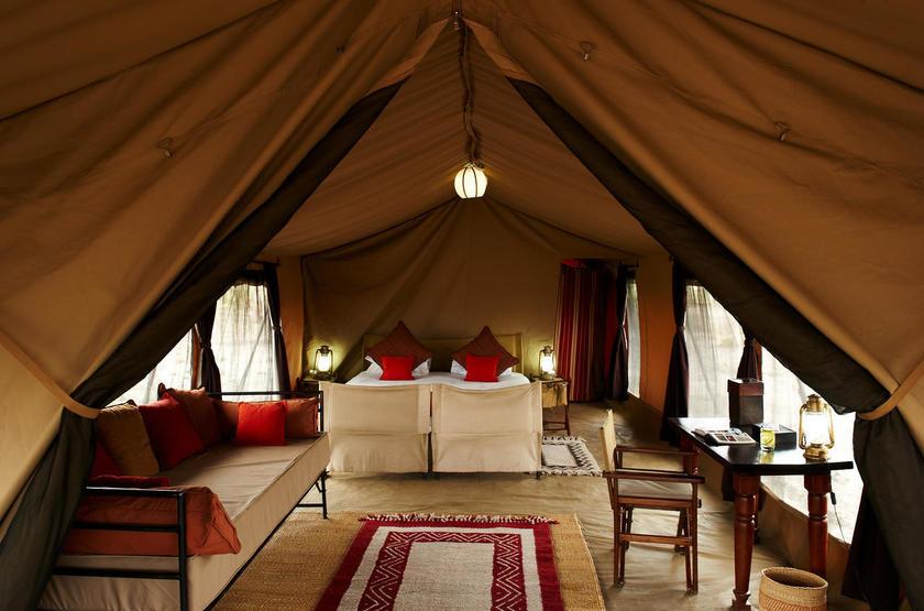 Olakira Mobile Camp, Serengeti, Tanzanie, intérieur tente