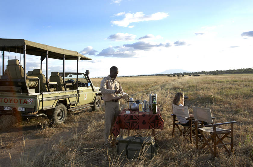Olakira Mobile Camp, Serengeti, Tanzanie, dans le bush