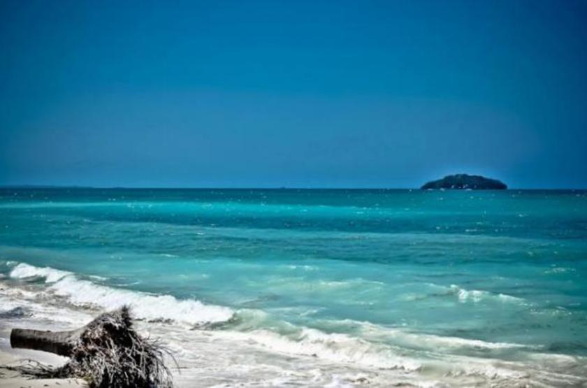 Agua Azul,  La Ensenada de Cholon, Colombie, plage
