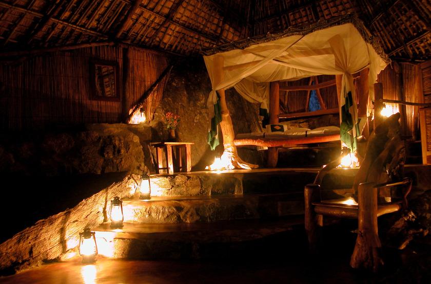 Nkwichi Lodge, Lac Malawi, by night