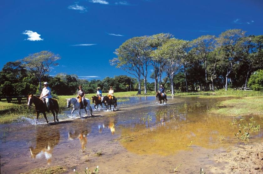 Pousada Piuval, Pantanal, Brésil, balalde à cheval