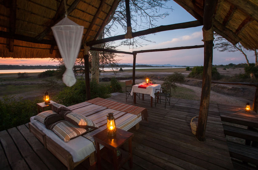 Malawi shire river liwonde   mvuu lodge   chambre plein air slideshow