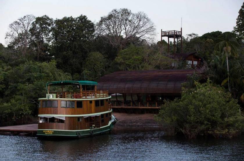 Ecolodge mirante do gaviao amazonie   facade vue fleuve slideshow