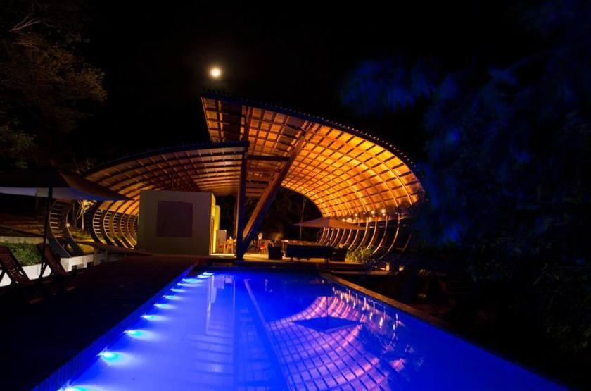 Ecolodge mirante do gaviao amazonie   vue nuit slideshow