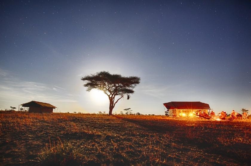 Pumzika luxury camp mainview with acacia slideshow