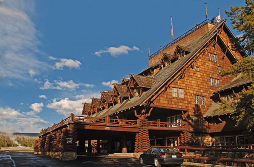 Old Faithful Snow Lodge, Yellowstone Park, extérieur été