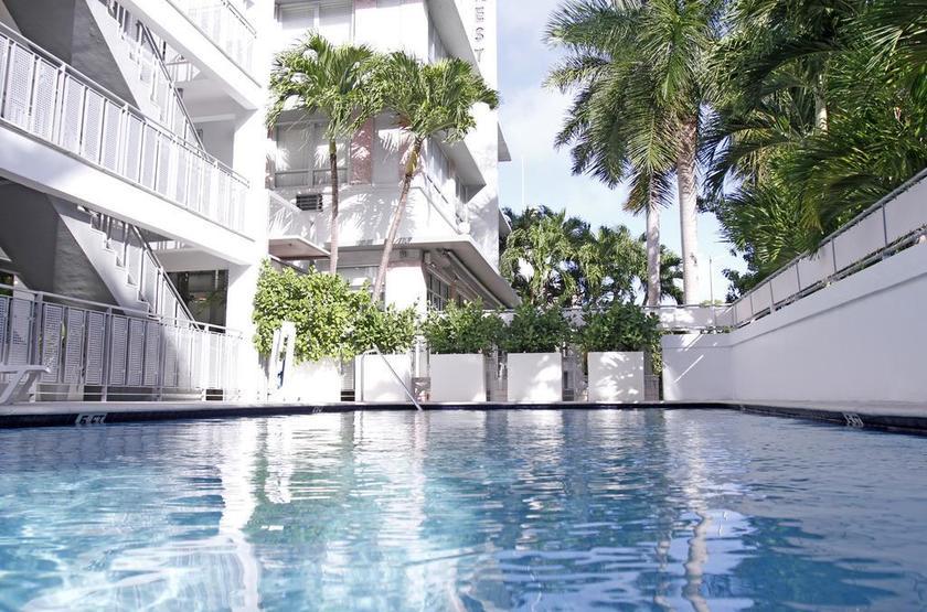 Etats-Unis - Crest Hotel Suites - Piscine
