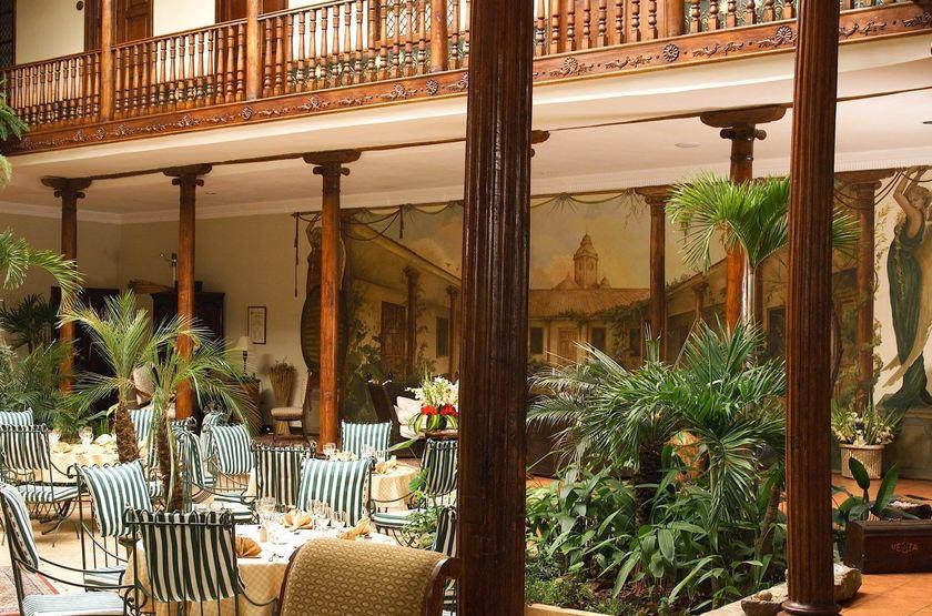 Santa Lucia Hotel Cuenca, Equateur, patio