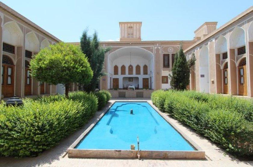 Laleh Hotel, Yazd, Iran, cours