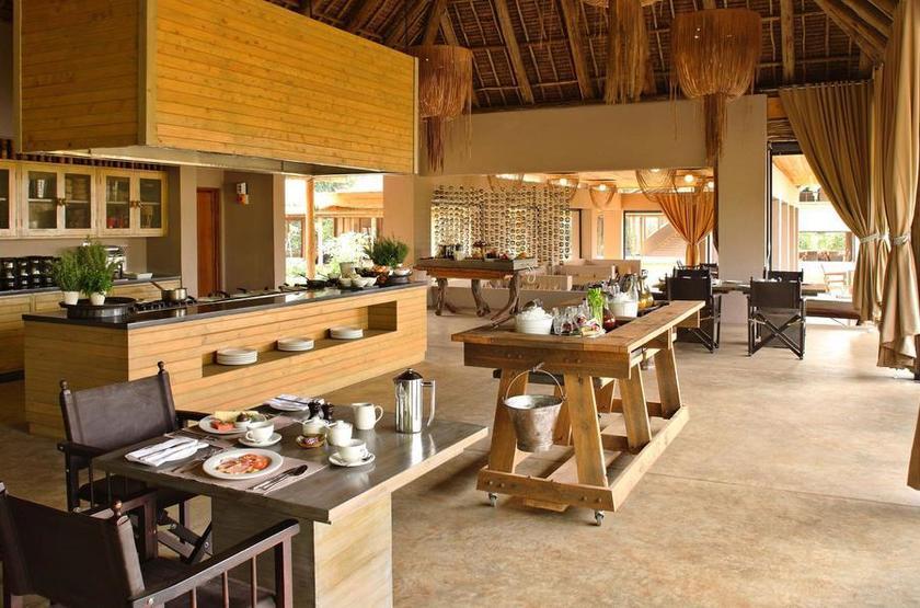 &Beyond Kichwa Tembo, Masai Mara, Kenya, restaurant
