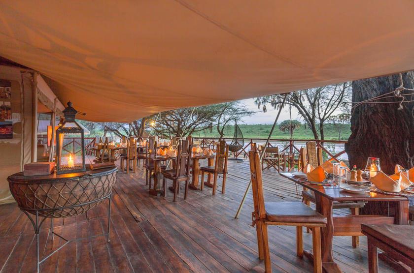 Elephant Bedroom Camp, Samburu, Kenya, restaurant