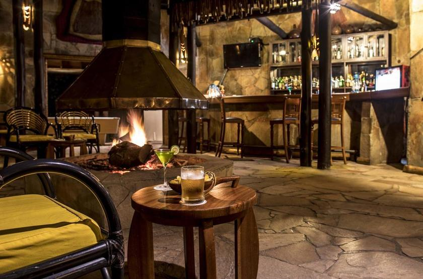 Mara Sarova Game Camp, Masai Mara, Kenya, salon intérieur