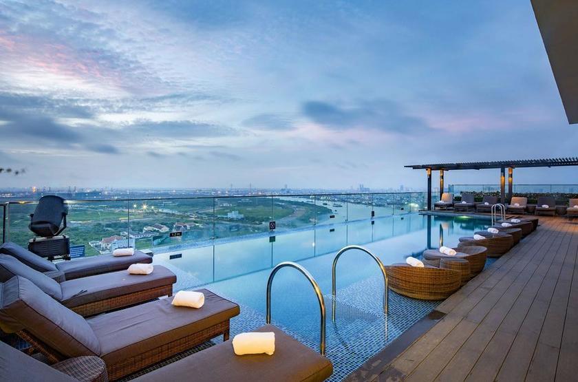 Vietnam - Liberty Central Riverside - Piscine sur le toit