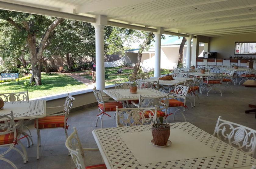 Batonka Guest Lodge, Victoria Falls, Zimbabwe, terrasse
