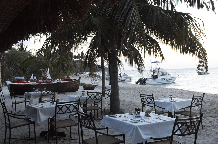 Pestana Bazaruto Lodge, Mozambique, restaurant