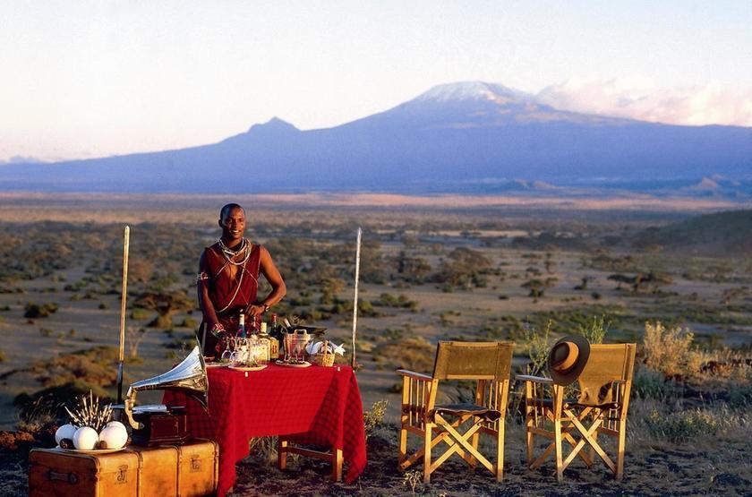 Elewana Tortilis Camp, Amboseli, Kenya, petit déjeuner en brousse