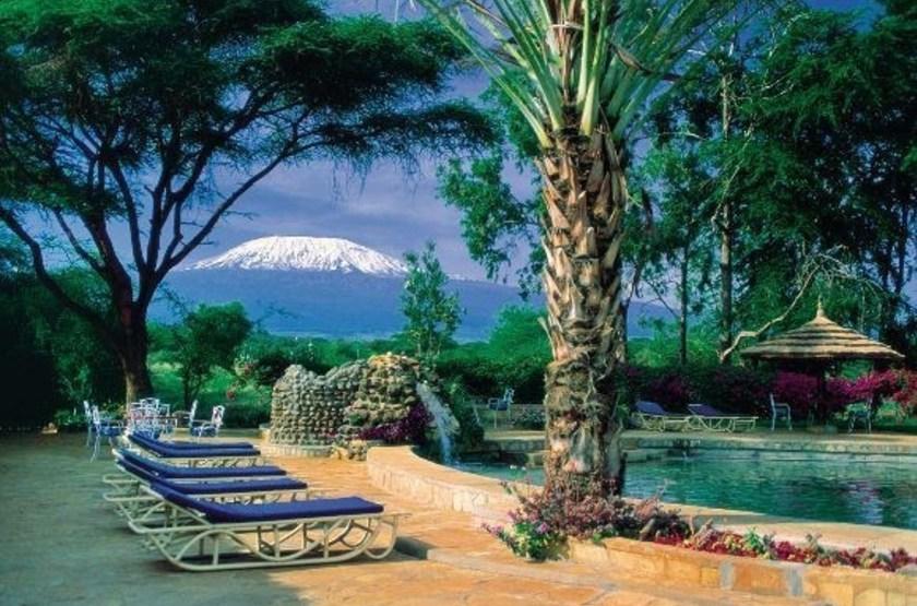 Amboseli Sopa Lodge, Amboseli, Kenya, piscine vue Kilimandjaro