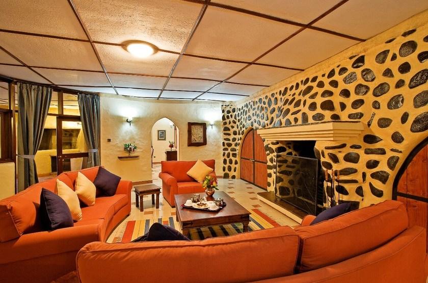 Amboseli Sopa Lodge, Amboseli, Kenya, salon suite