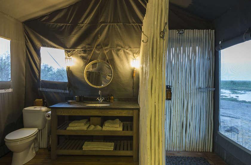 Linyanti Tented Camp, Botswana, salle de bains