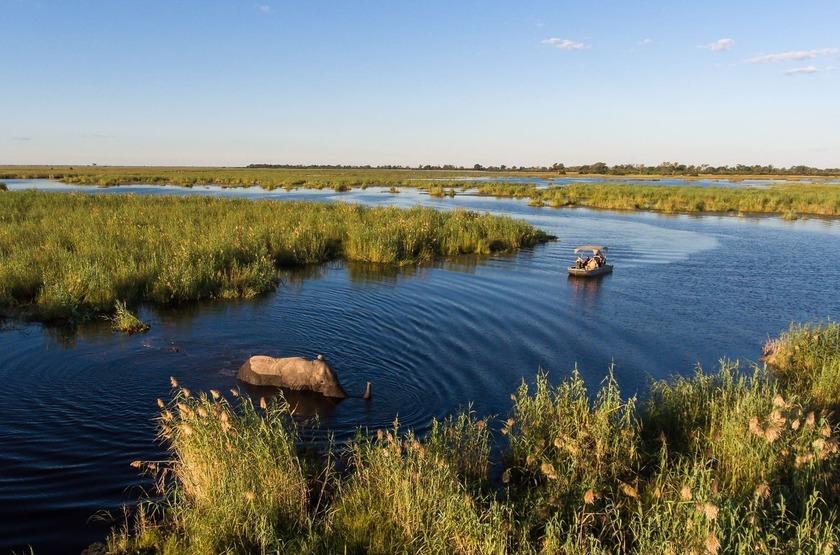 Little Duma Tau, Botswana, extérieur