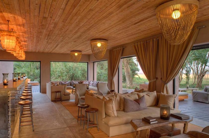 &Beyond Kichwa Tembo, Masai Mara, Kenya, bar
