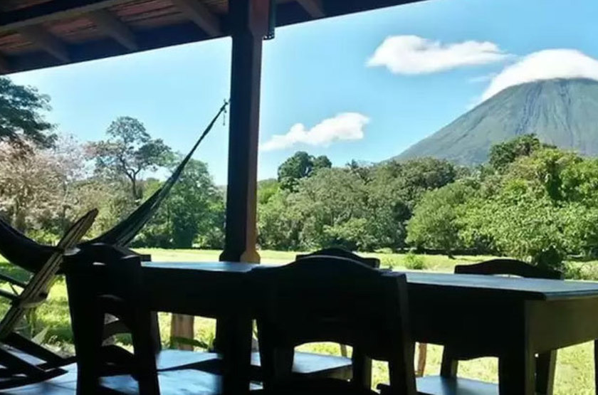 Nicaragua - Finca San Juan de la Isla - Vue volcan
